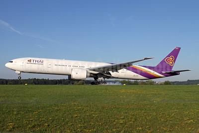 Thai Airways International Boeing 777-3D7 ER HS-TKU (msn 42110) ZRH (Andi Hiltl). Image: 938239.