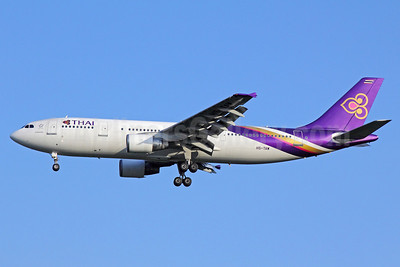 Thai Airways International Airbus A300B4-622R HS-TAW (msn 784) BKK (Michael B. Ing). Image: 911270.