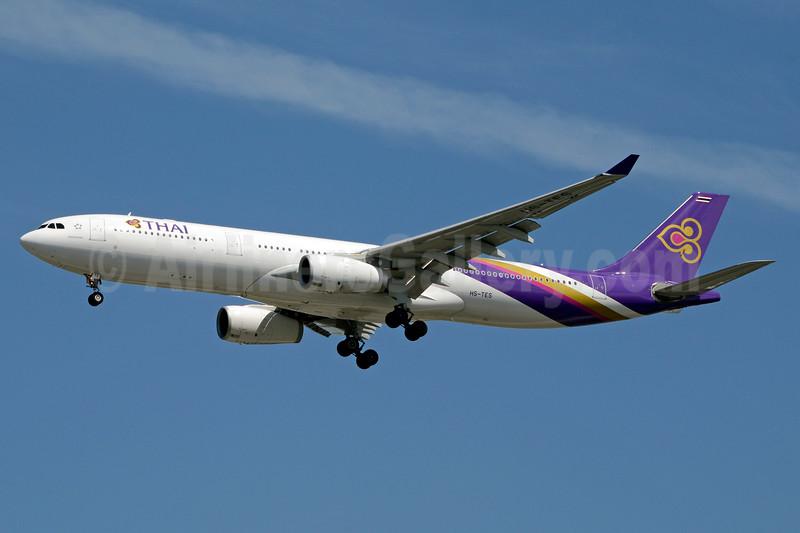 Thai Airways International Airbus A330-343 HS-TES (msn 1074) BKK (Jay Selman). Image: 403530.