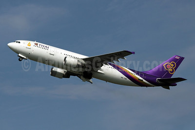 Thai Airways International Airbus A300B4-622R HS-TAK (msn 566) BKK (Michael B. Ing). Image: 904548.