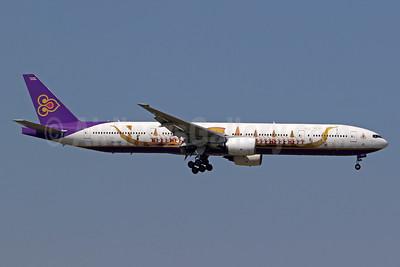 Thai Airways International Boeing 777-3D7 HS-TKF (msn 29214) (Suphannahong Royal Barge) BKK (Pascal Simon). Image: 952545.