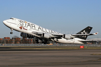 Thai Airways International Boeing 747-4D7 HS-TGW (msn 27724) (Star Alliance) LHR (SPA). Image: 937131.