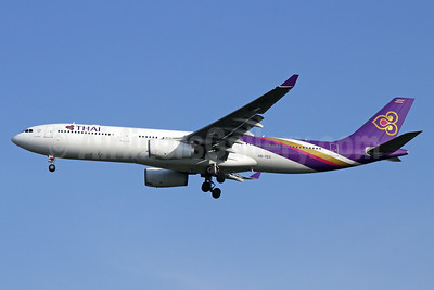 Thai Airways International Airbus A330-343 HS-TEO (msn 1003) BKK (Michael B. Ing). Image: 937174.