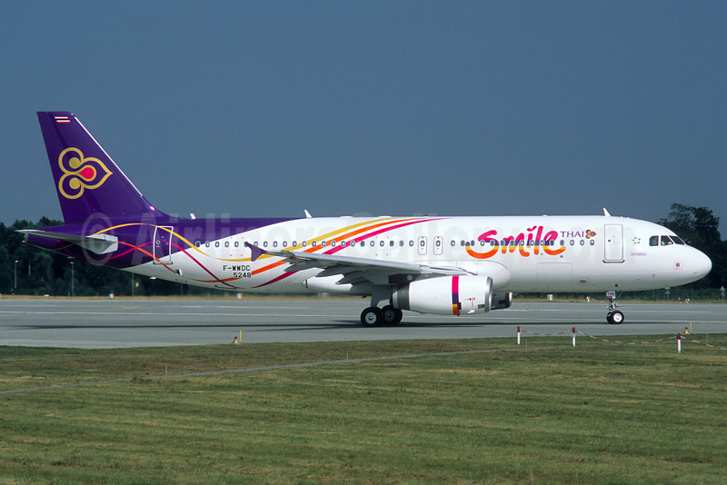 Thai Smile (Thai Airways International) Airbus A320-232 F-WWDC (HS-TXB) (msn 5248) XFW (Jacques Guillem Collection). Image: 910387.