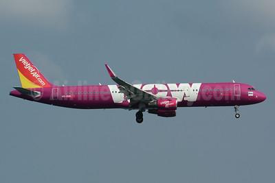 Vietjet Air Thailand (VietJetAir.com) Airbus A321-211 WL HS-VKM (msn 7715) (WOW Air colors) HKT (Bernhard Ross). Image: 948786.