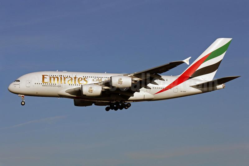 Emirates Airline Airbus A380-861 A6-EDB (msn 013) LHR (Antony J. Best). Image: 901469.