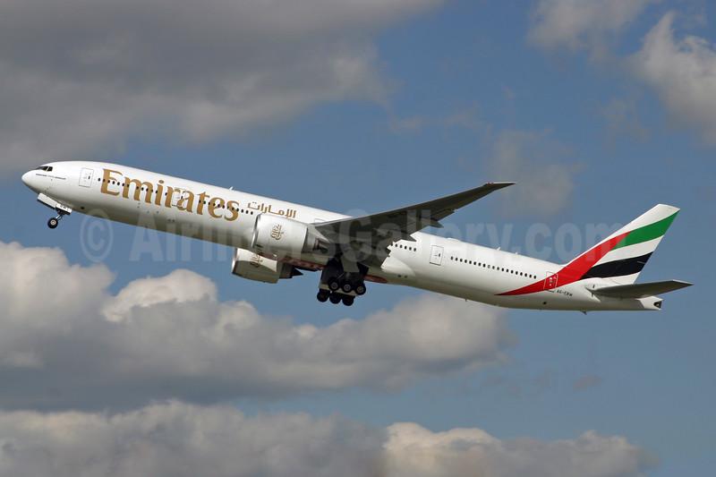 Emirates Airline Boeing 777-36N ER A6-EBW (msn 32793) LHR (SPA). Image: 926376.
