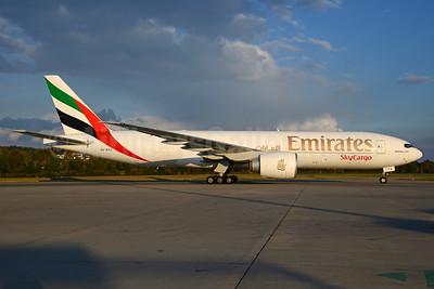 Emirates SkyCargo (Emirates Airline) Boeing 777-F1H A6-EFG (msn 35613) ZRH (Rolf Wallner). Image: 935139.
