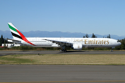 Emirates Airline Boeing 777-31H ER A6-EPS (msn 42338) PAE (Nick Dean). Image: 934870.