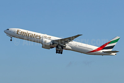 Emirates Airline Boeing 777-31H ER A6-EBL (msn 32709) DPS (Pascal Simon). Image: 941276.