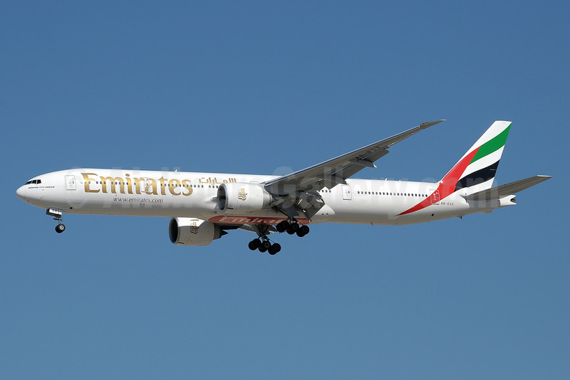 Emirates Airline Boeing 777-31H ER A6-EGX (msn 35602) DXB (Paul Denton). Image: 910994.