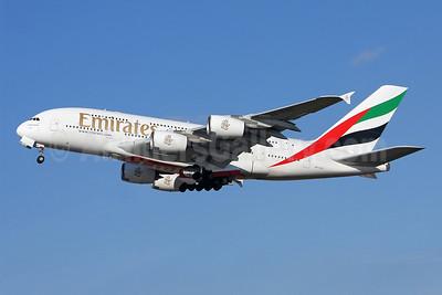 Emirates Airline Airbus A380-861 A6-EDC (msn 016) LHR (Keith Burton). Image: 902281.