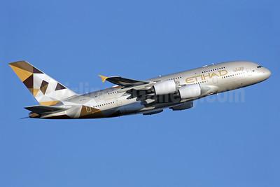 Etihad Airways Airbus A380-861 A6-APA (msn 166) LHR (Antony J. Best). Image: 925614.