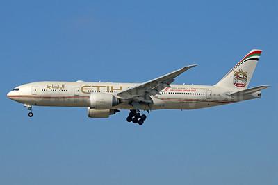 Etihad Airways (Air India) Boeing 777-237 LR A6-LRE (msn 36304) LAX (Michael B. Ing). Image: 924964.