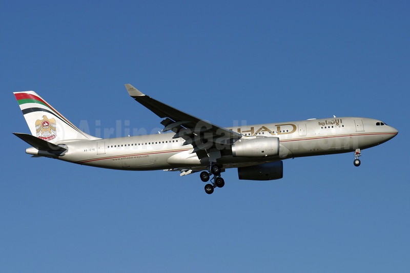 Etihad Airways Airbus A330-243 A6-EYE (msn 688) LHR (Antony J. Best). Image: 900643.