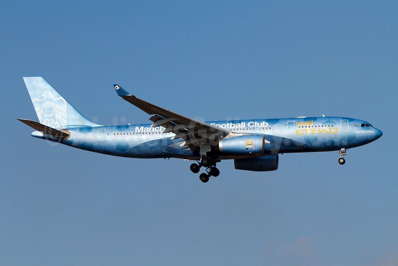 Etihad Airways Airbus A330-243 A6-EYE (msn 688) (Manchester City Football Club) MUC (Arnd Wolf). Image: 907893.