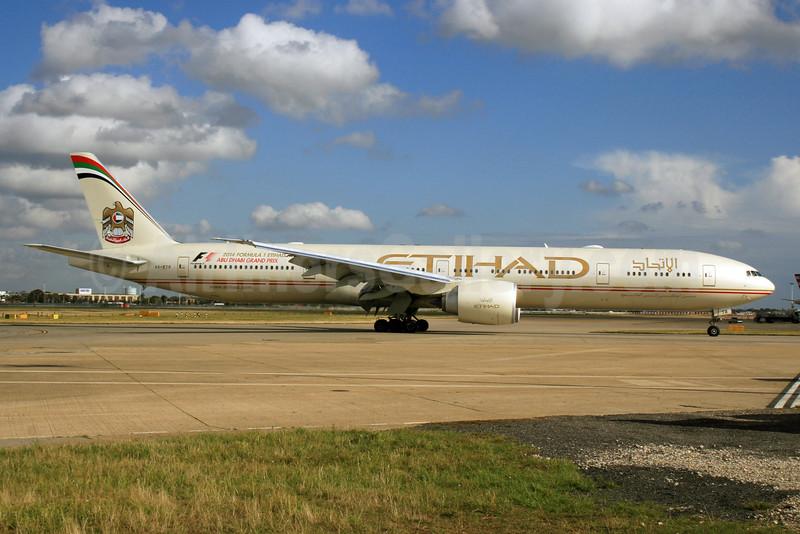 Etihad Airways Boeing 777-3FX ER A6-ETR (msn 41701  (Abu Dhabi Grand Prix Formula 1) LHR. Image: 926026.