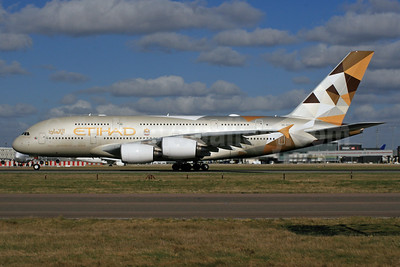 Etihad Airways Airbus A380-861 A6-APA (msn 166) LHR. Image: 926504.