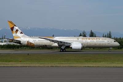 Etihad Airways Boeing 787-9 Dreamliner A6-BLN (msn 39659) PAE (Nick Dean). Image: 938115.