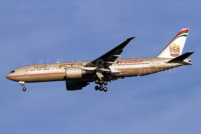 Etihad Airways (Air India) Boeing 777-237 LR A6-LRE (msn 36304) IAD (Brian McDonough). Image: 924445.