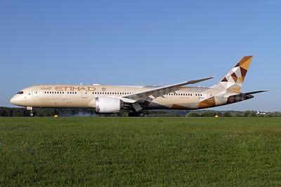 Etihad Airways Boeing 787-9 Dreamliner A6-BLZ (msn 39665) ZRH (Andi Hiltl). Image:  947337.