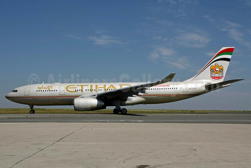 Etihad Airways Airbus A330-243 A6-EYO (msn 852) CDG (Christian Volpati). Image: 905832.