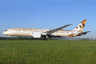 Etihad Airways Boeing 787-9 Dreamliner A6-BLC (msn 39648) ZRH (Andi Hiltl). Image: 928799.