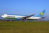 Uzbekistan Airways Boeing 767-33P ER UK67006 (msn 40535) ZRH (Rolf Wallner). Image: 939100.