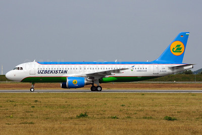 Uzbekistan Airways Airbus A320-214 D-AVVK UK32012) (msn 4395) XFW (Gerd Beilfuss). Image: 905313.
