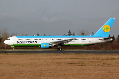 Uzbekistan Airways Boeing 767-33P ER UK67005 (msn 40533) PAE (Nick Dean). Image: 911638.