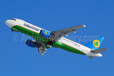 Uzbekistan Airways Airbus A320-214 UK32016 (msn 4492) DME (OSDU). Image: 907849.