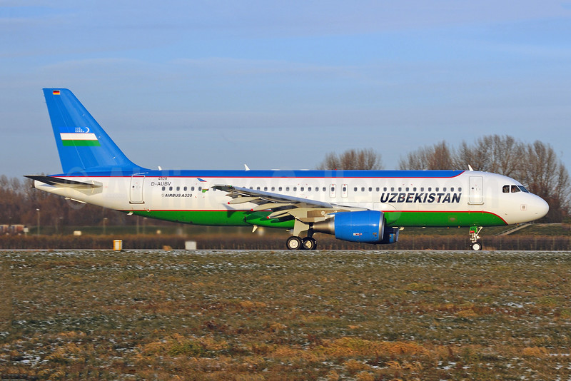 Uzbekistan (Government) (Uzbekistan Airways) Airbus A320-214 D-AUBV (UK32000) (msn 4528) XFW (Gerd Beilfuss). Image: 911642.