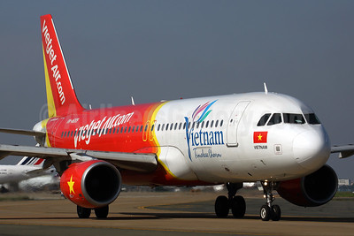 Vietjet Air (VietJetAir.com) Airbus A320-214 VN-A699 (msn 4193) (Vietnam Timeless Charm) SGN (Rob Finlayson). 925334.