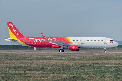 Vietjet Air (VietJetAir.com) Airbus A321-211 WL D-AZAK (VN-A651) (msn 5295) XFW (Gerd Beilfuss). Image: 926904.