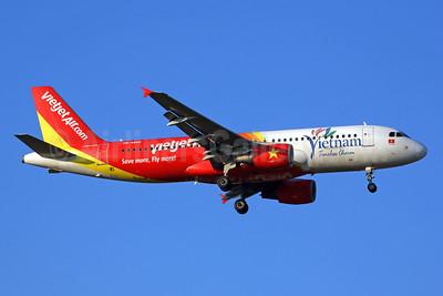 """VietJetAir's """"Vietnam Timeless Charm"""" logo jet"""