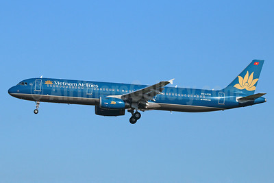 Vietnam Airlines Airbus A321-231 VN-A335 (msn 5241) NRT (Michael B. Ing). Image: 921669.