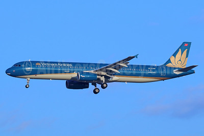 Vietnam Airlines Airbus A321-231 VN-A398 (msn 5427) BKK (Michael B. Ing). Image: 936156.