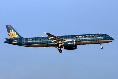 Vietnam Airlines Airbus A321-231 VN-A324 (msn 4703) BKK (Jay Selman). Image: 402269.