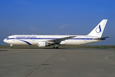 Leased from AWAS on October 21, 1994, ex TACA N768TA