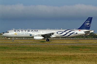Vietnam Airlines Airbus A321-231 VN-A327 (msn 4826) (SkyTeam) TPE (Manuel Negrerie). Image: 925253.