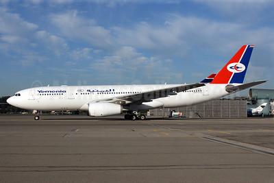Yemenia (Yemen Airways) Airbus A330-243 EI-EOK (msn 627) ZRH (Rolf Wallner). Image: 907186.