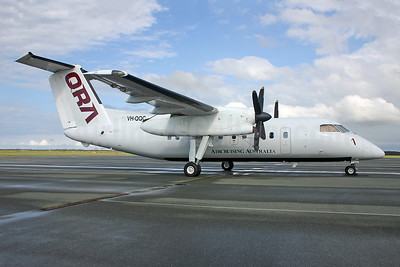Aircruising Australia-QRA de Havilland Canada DHC-8-102 Dash 8 VH-QQE (msn 173) BNE (Peter Gates). Image: 950637.