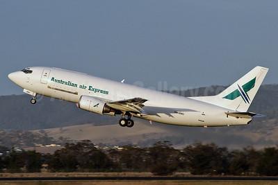 Australian air Express Boeing 737-376 (F) VH-XMO (msn 23488) HBA (Rob Finlayson). Image: 924908.