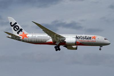Jetstar Airways (Australia) Boeing 787-8 Dreamliner VH-VKA (msn 36227) MEL (Keith Burton). Image: 921736.