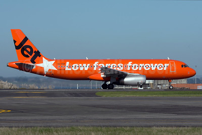 Jetstar Airways (Jetstar.com) (Australia) Airbus A320-232 VH-VGF (msn 4497) (10th Anniversary - Low fares forever) AKL (Colin Hunter). Image: 933674.