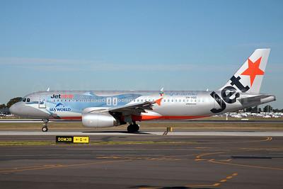 Jetstar Airways (Jetstar.com) (Australia) Airbus A320-232 VH-VQQ (msn 2537) (Sea World-dolphin) SYD (John Adlard). Image: 906556.