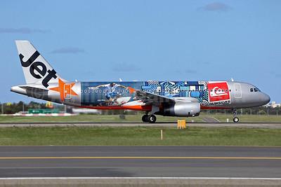 Jetstar Airways (Jetstar.com) (Australia) Airbus A320-232 VH-VGZ (msn 3917) (Quiksilver) SYD (John Adlard). Image: 904644.