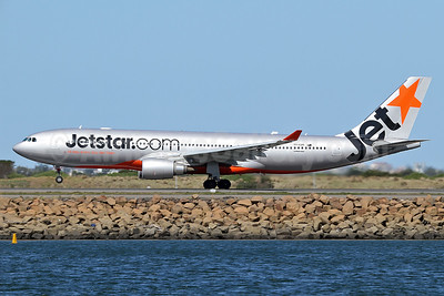 Jetstar Airways (Jetstar.com) (Australia) Airbus A330-202 VH-EBR (msn 1251) SYD (Keith Burton). Image: 935589.