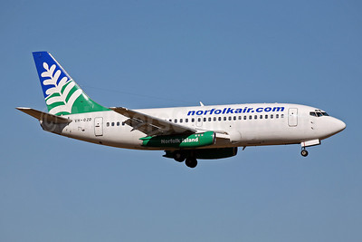 Norfolk Air (norfolkair.com) (OzJet Airlines) Boeing 737-229 VH-OZD (msn 20911) NTL (John Adlard). Image: 902836.