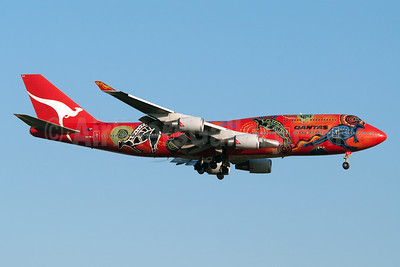 """QANTAS Airways'  second 2003 """"Wunala Dreaming"""" special livery"""